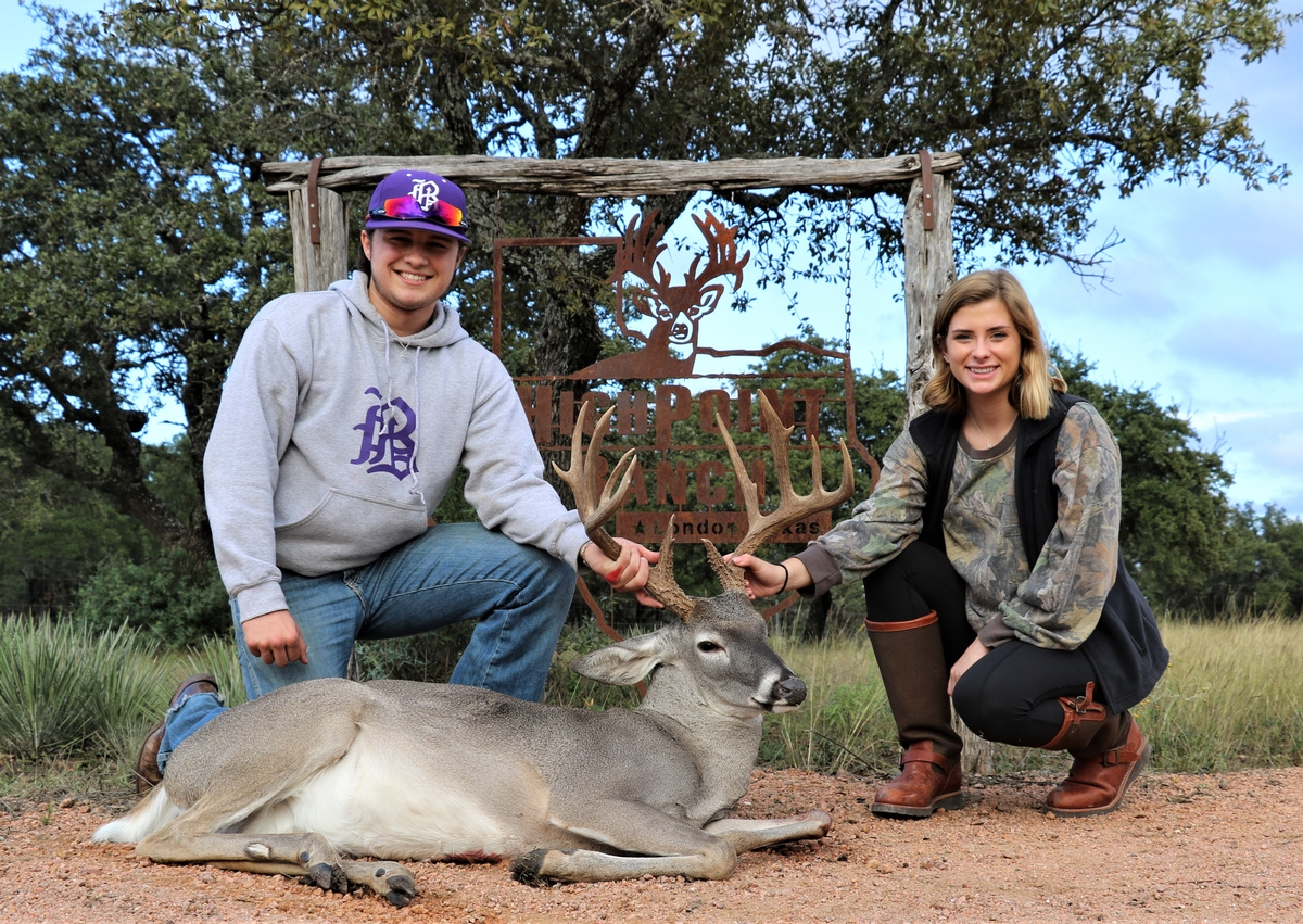 Austin Texas Whitetail Hunting Ranch Outfitters - San Antonio Trophy